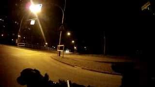 Ricky nachts am Fahrrad durch HSH