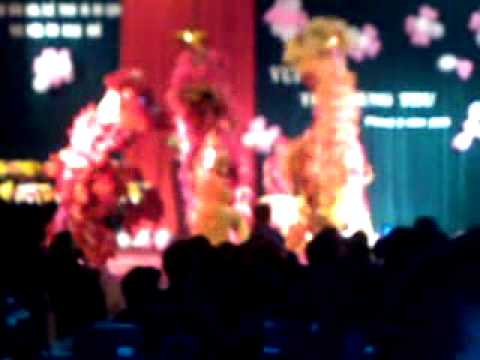 Đoàn lân sư rồng Bạch Ngọc Đường - Huế - Trung Thu 2010 ( Tam Tinh )