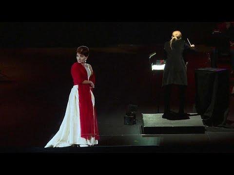 Maria Callas sobe ao palco em holograma