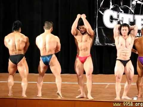 535db5a7637a2 Sexy bodybuilder in tiny posing trunks (Part 2) - Posedown - YouTube