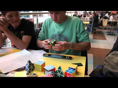 Андрей Калыгин.Первый раунд 3x3,4-я попытка.13,17 сек.