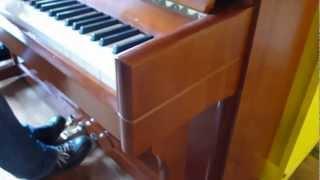 Piano Droit PLEYEL P118 Merisier Marqueté *** OCCASION *** EML Pianos