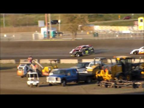 Nodak Speedway IMCA Modified Heats (5/7/17)