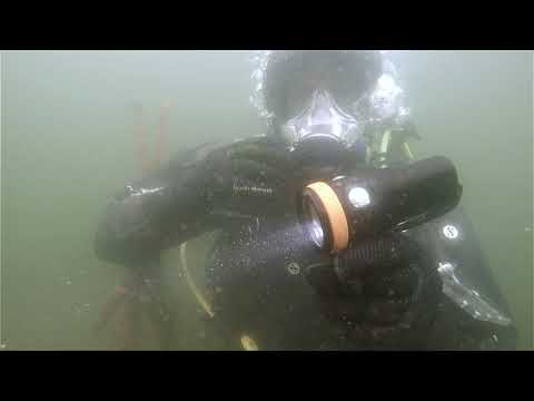 scubaverse-scuba-diving-equipment-review:-orca-torch-d900v-video-light-from-sea&sea