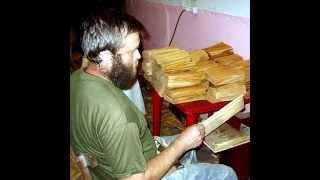видео Дранка, гонт, шиндель - Как изготавливают дранку из сибирской лиственницы? - Современные кровельные материалы: продажа и монтаж кровли