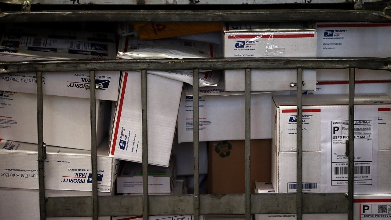 How mail agencies identify suspicious packages