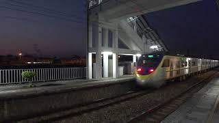 8708次迴送列車通過石龜車站