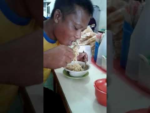 Ngerjain Orang Makan Lucu Abis