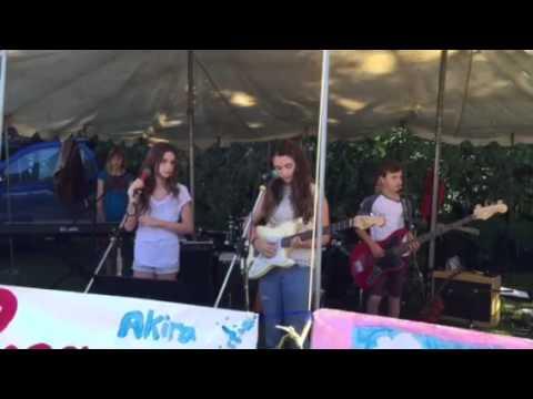 India Singing at the Byron Bay Markets
