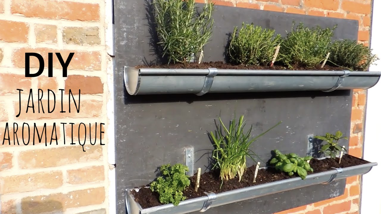 Diy jardin aromatique en goutti res youtube - Gouttiere pour balcon ...