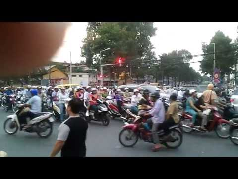 Tran Hung Dao St, Saigon At 5.30pm.mp4