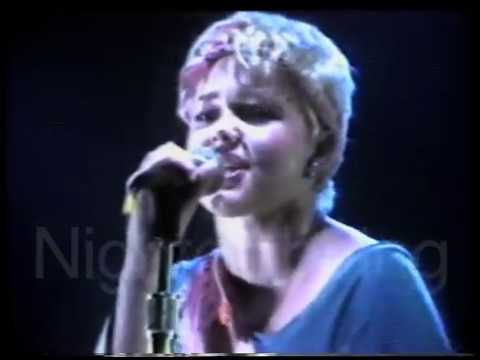 Go-Go's - Speeding (live 1980)