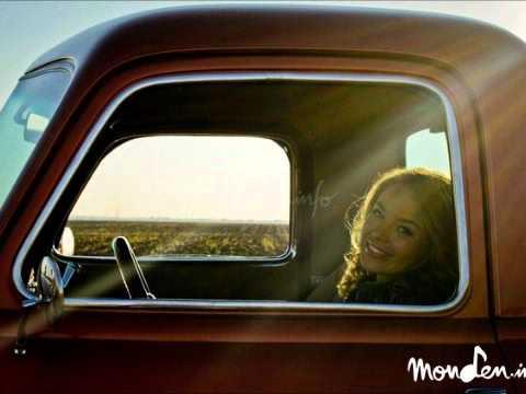 Anya-Beautiful World (Official Song)
