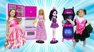 Barbie ve Monster High ile kız oyunları. Mutfağa eşyaları yerleştirelim.