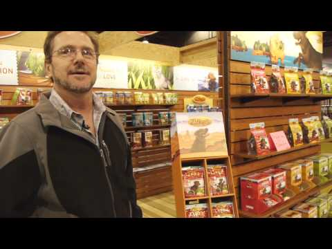 zuke's-treats-for-cats-and-dogs-at-hh-backer-2012-fall-trade-show