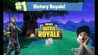 GETTING MY FIRST SOLO WIN (Fortnite Battle Royal)