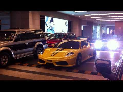 Ferrari F430 Arriving At Pavilion Malaysia
