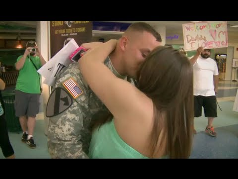 Soldier's Surprise Proposal - YouTube