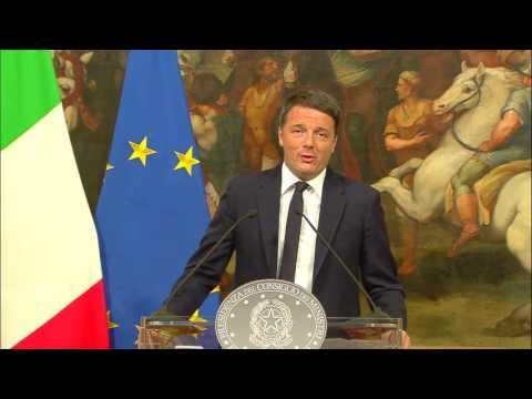 Conferenza Stampa del presidente del Consiglio Renzi (05/12/2016)