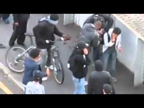 MAN in Ilford gets Punched in the face then mugged in Riot by Gang!! MUST SEE!