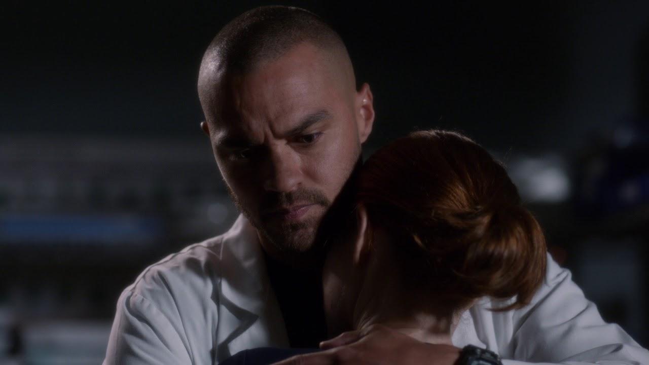Jackson Tries To Console April – Grey\'s Anatomy Season 14 Episode 16 ...