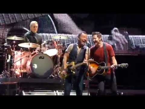 No Surrender - Springsteen &  Matthew Aucoin - Philadelphia Sept 9, 2016