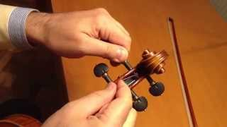 Встановлення струн на скрипку