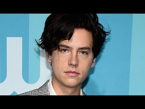 Cole Sprouse SLAMS Teen Choice Hottie Award!