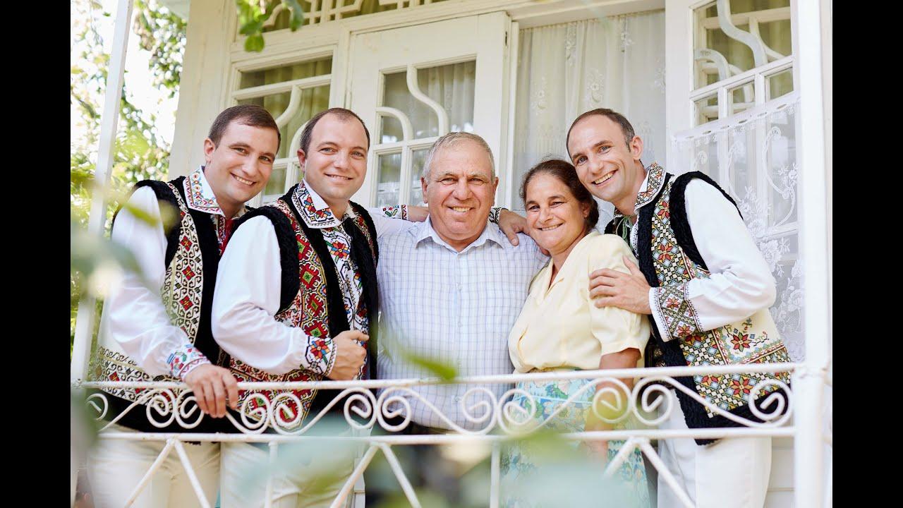 Fratii Ion, Constantin şi Petru Paladi - La multi ani, mama iti spunem! (official video I Premium)