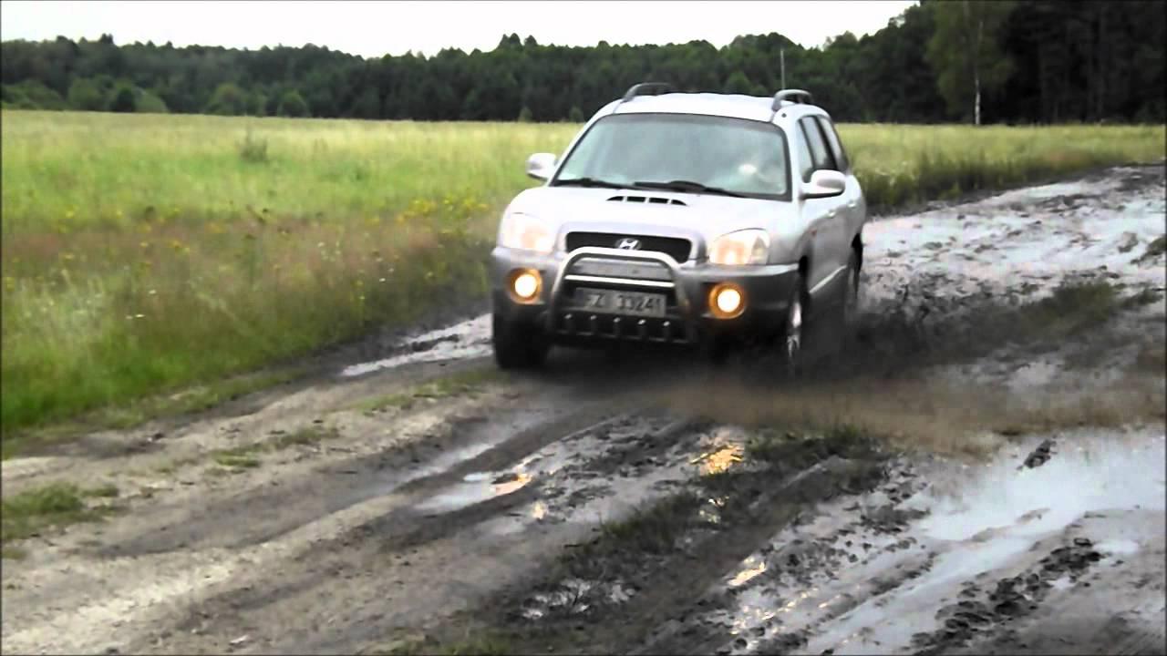 Hyundai Santa Fe Off Road Mud