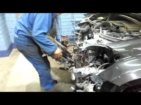 Cнятие радиатора охлаждения Mercedes ML 500