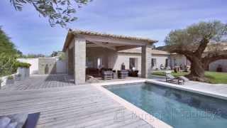 Video tour of contemporary Saint Tropez villa / Villa contemporaine de Saint Tropez