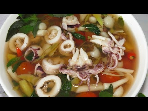 How To Cook Seafood – Cooking Squid Soup Recipe – BOILED SQUID