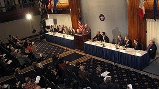 Am 12. November 2007 traten im National Press Club Washington DC 15...