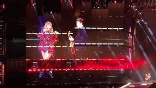 Taylor Swift and Shawn Mendes - There's Nothing Holdin' Me Back [reoutation Tour Pasadena | Night 1]