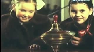Лучший магазин для детей Завораживают механические игрушки на прилавках ГУМа, Москва, 1954 г(, 2015-08-07T20:53:48.000Z)