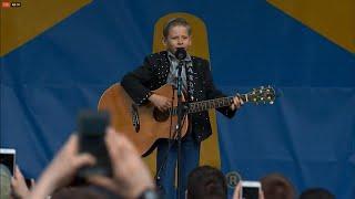 11-Year-Old Walmart Yodeler Gets Concert Performance
