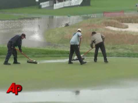 Rain Suspends 1st Round of US Open