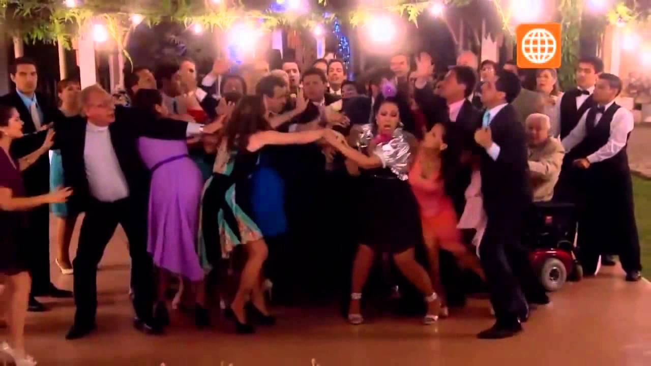 2d9af7110 Al Fondo hay Sitio  Charito e Isabela se pelean en la boda de Grace y  Nicolás - 21 10 2013