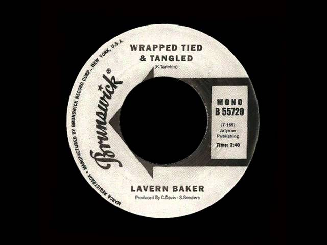 lavern-baker-wrapped-tied-tangled-bricomaligno