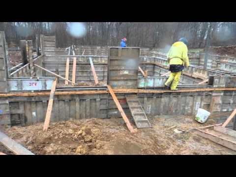 Casadonti Homes Inc. Orchard Lane - Pouring foundation walls