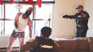 MMA FIGHTER FALLS HARD FROM TASER