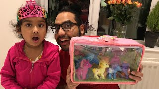 Unboxing Pony Family Toy Box from Ishfi