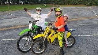 Dirt bike drag race RM VS KLX plus top speed