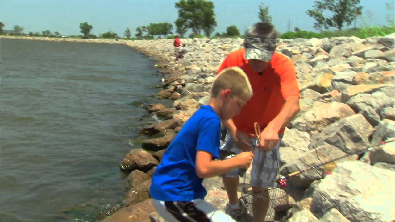 Lake hefner catfish youtube for Lake hefner fishing report