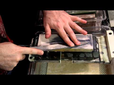 Sharpening Single Bevel Knives (A Demonstration)- Japanese Knife Imports