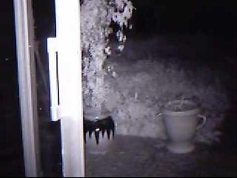 camera infrarouge avec detecteur de youtube. Black Bedroom Furniture Sets. Home Design Ideas