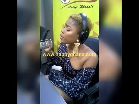 """Download Adina Thembi's performs new banger """"On My way"""" LIVE on Happy FM"""