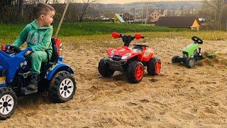 Весёлая история про Тёму и Машинки на пляже в песке