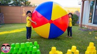 หนูยิ้มหนูแย้ม   เล่นลูกบอลยักษ์